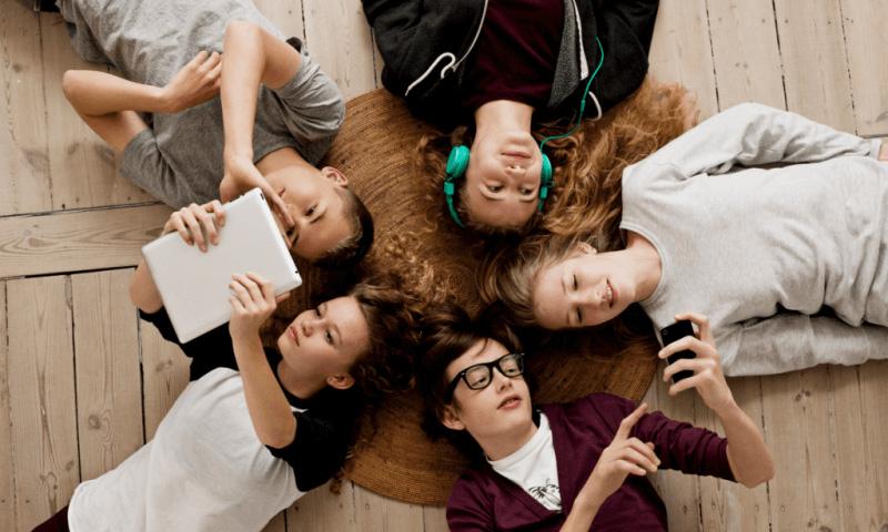 Исследование повседневности современных подростков: присутствие в социальных сетях как неотъемлемая составляющая общения